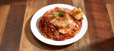 Breaded chicken breast, marinara sauce and mozzarella cheese. Served on a bed of spaghetti.